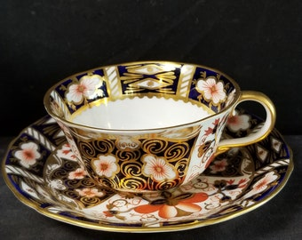 Royal Crown Derby 2451 Traditional Imari Tea Cup and Saucer scalloped Rim (multiple available)