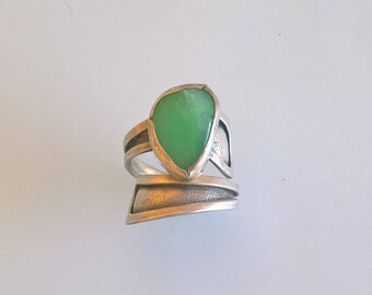 Artistic Sterling Silver Ring With A Chrysoprasus Stone