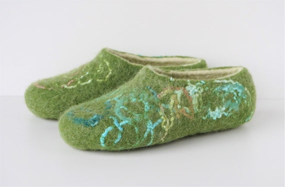 white house felt green Green slippers felt wool felted women wool slippers shoes felt slippers slippers slippers natural slippers dqqIOw