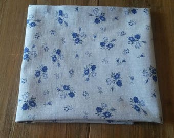 Fabric floral blue chambray / 81 X 52 cm / dark blue floral design