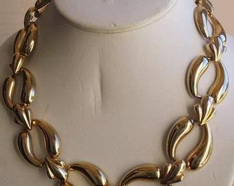 Vintage gold tone chunky necklace choker