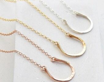 Friendship Necklace | Horseshoe Horse Dainty Necklace, Friendship Gift, Best Friend Gift, Sister Gift for Women, Gift for Her, Friend Gift
