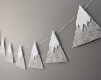 Felt Mountain Snowy Peaks Garland, Baby Nursery and Childrens Decor, Baby Shower Gift, Woodland Nursery, 1st Birthday