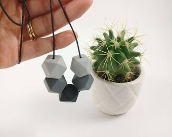 Silicone Teething Necklace - Grey & Black | Monochrome | New Mum Gift | Baby Shower Gift | Nursing necklace | Geometric necklace