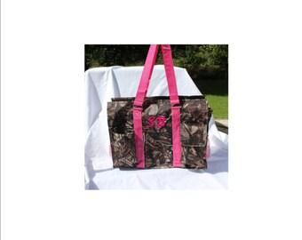 Personalized Camo and Hot Pink Trim Tote Organizer Diaper Teacher Nurse Bag Organizing Scrapbook Art RN LPN CNA Zipper closure