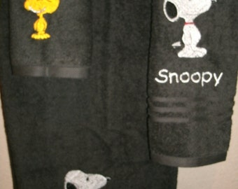 Snoopy Personalized 3 piece Bath set Bath, Hand, Washcloth Towel  Set ANY COLOR