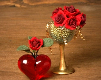 Red Miniature Heart Vase for your Dollhouse