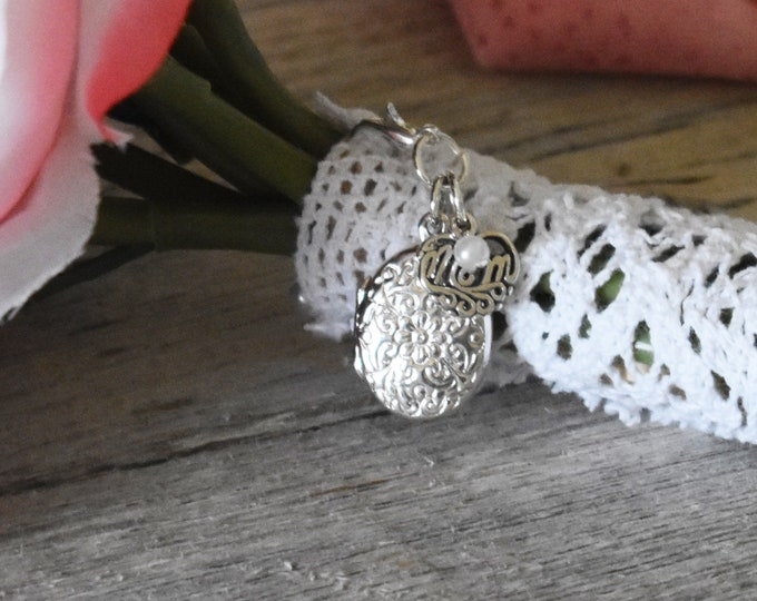 Brides Bouquet Locket in Memory of Mom