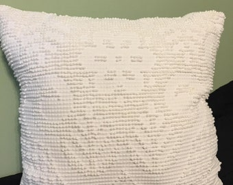"18"" Vintage Chenille Throw Pillow"