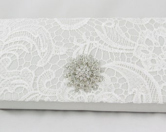 White Lace Bridal Clutch, Lace Wedding Handbag, White Bridal Clutch, Crystal Elegant Formal Clutch, Vintage Inspired Lace Bridal Purse Bsg