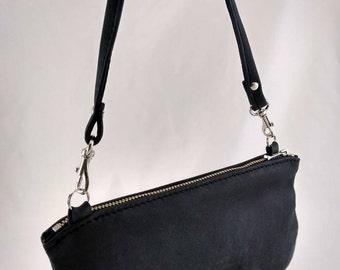 Leather Lg Urbana Wristlet Clutch bag Black Grey