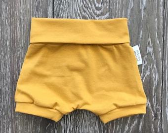 Shorts made by a MOM * mustard