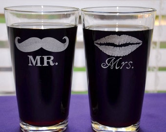 Personalized MR and Mrs Engraved Mustache & Lips Pint Glasses, Anniversary Gift, Wedding Gift, Custom Couples Gift, His and Hers, Newlyweds