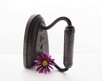 Vintage Flat Iron, Sad Iron, Primitive Cast Iron, Bookend, Doorstop, Country Primitive Decor
