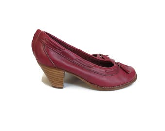 Burgundy Leather Heels 70s 1970s Tassel Loafers Size 6 Faux Wood Stacked Heel Round Toes Maroon Oxblood