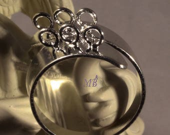 5 supports of silver/platinum ring on the cob 6 rings