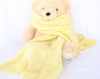 Crochet shawl yellow lace weight wrap fashion accessory pastel feminine women zigzag light rectangle cover feminine scarf
