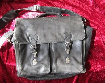 Distressed Black Leather Lap Top Messenger Bag Kenneth Cole Reaction