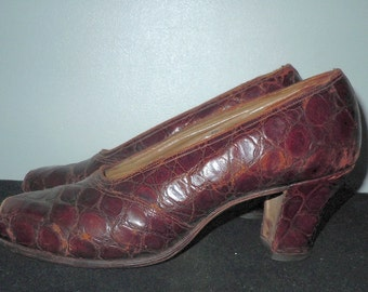 Vintage 1930s leather peep toe shoes lady pearl was 30.00