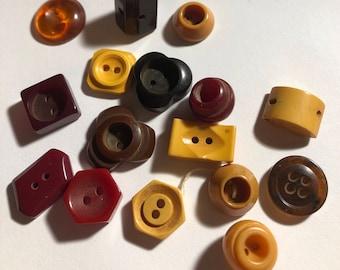 16 Vintage Bakelite Button Lot