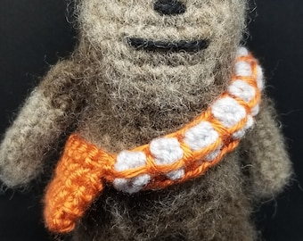 Handmade Star Wars: Chewbacca//Crochet Doll//Gifts for Her//Gifts for Him//Collectible Miniature Toys//Amigurumi//Baby Shower Gift//Art Doll
