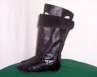Sz 10 M Vintage Tall Black Genuine Leather 1980s Women Flat Pirate Slouch Boots.
