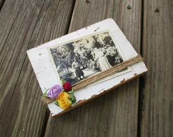 Reclaimed Barnwood Picture Frame with Vintage Picture, Gardeners Photo Display, Cottage Garden Table Top Accent