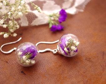 Real flower Earrings - Glass Sphere Earrings - Purple Flowers and Baby's Breath - Dangle Earrings  - Dainty Jewelry