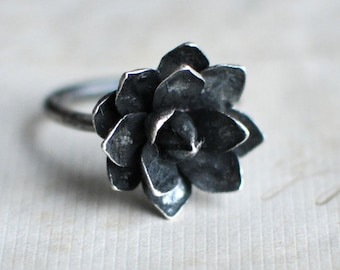 Mothers Day Gift, pressed flower jewelry, Succulent Ring, Botanical, Nature Lovers Gift, Silver succulent, Nature Inspired, Terrarium Rings
