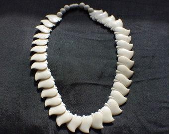 nice bakelite necklace