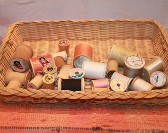 25 Vintage Wood Thread Spools, Some with thread