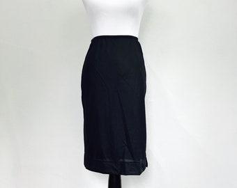 "Vintage 1950s/1960s Nylon Black Half Slip // Minnesota Woolens Fashion Wagon Duluth, Minn. // Elastic Waist 24"" 25"" 26"" 27"" 28"" Size Small"
