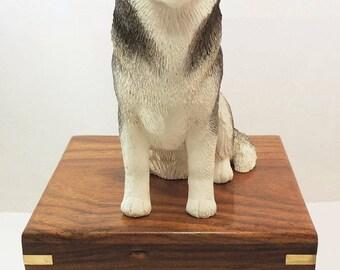 Siberian Husky Dog Cremation Urn