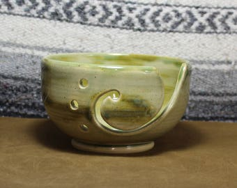 Sea Fire Green Ceramic Yarn Bowl for Knittting & Crochet