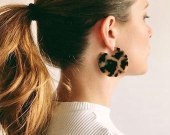 Clare Earrings in Blonde Tortoise