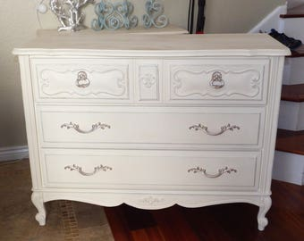 CUSTOM PAINTED Vintage French Provincial 4 Drawer Dresser, Shabby Chic Cottage
