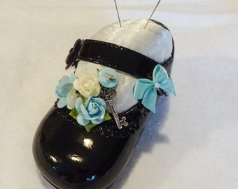 Baby Shoe Pin Cushion, Altered Baby Shoe, Sewing Room Decor, Gift For Sewer, Gift For Quilter, Pin Cushion, Decorative Pin Cushion