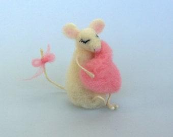 Felt mouse Valentines day gift Pink heart Wool animal Waldorf doll Dollhouse Soft Mice Needle felt Rat