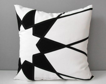 Black & White Geometric Pillow Cover, Modern Outdoor Throw Pillow Case, Decorative Art Deco Sunbrella Cushion Cover, Mandala Mazizmuse