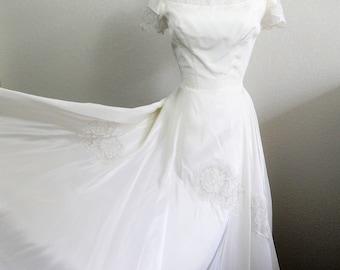 1950's Wedding Dress, White Swing Dress, Organza & Lace, Rockabilly, Pin Up