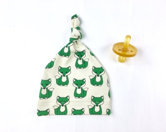 baby hat with foxes