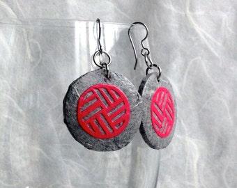 Round Silver Earrings Hanji Paper Earrings Dangle Grey Pink Earrings Circle Geometrical Design Hypoallergenic hooks Lightweight Ear rings