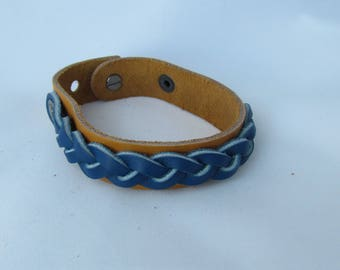 Womens Narrow Leather Cuff Bracelet With Braid Riveted on top