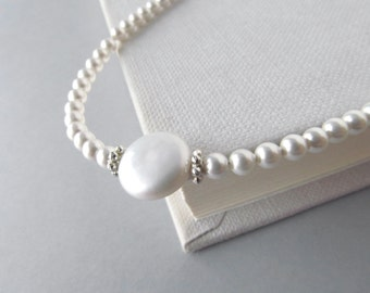 White Pearl Eyeglass Chain accented with silver, Reading Glasses Necklace, Eyeglass Holder, Pearl Eye Glass Chain, White Eyeglass Leash