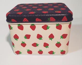 Vintage Strawberry Tin- Potpourri Press-USA