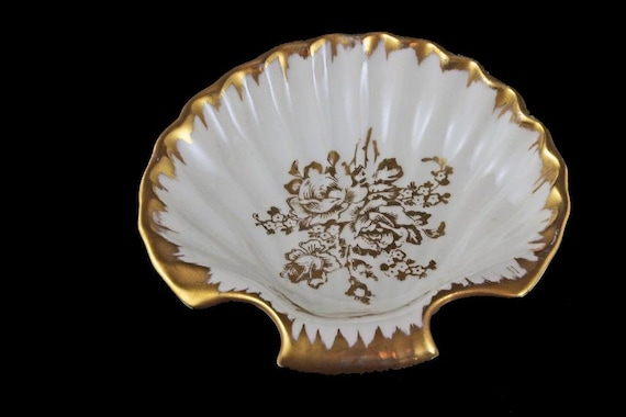 Hand Painted Shell Shaped Bowl, Limoges France, Trinket Bowl, Vanity Bowl, Ring Bowl, Soap Dish, Gold Gilt, Floral Pattern
