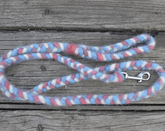 Icelandic Wool Dog Clip Lead in Red, White, and Blue: 5.5 foot Leash Agility Barn Hunt Lure Coursing