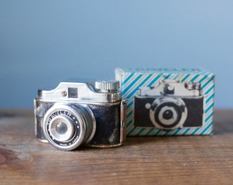 Rare Vintage 1950s Japan Subminiature Traveler Spy Camera with Original Box