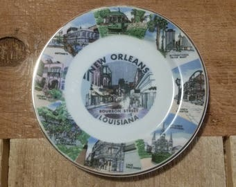 Decorative New Orleans Souvenir Plate Wall Hanging or Display Stand Louisiana Bayou Mardi Gras Bourbon Street