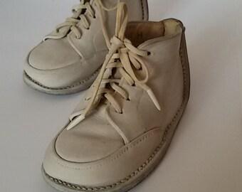 Old kid size 18 shoes / Vintage kids shoes / France vintage